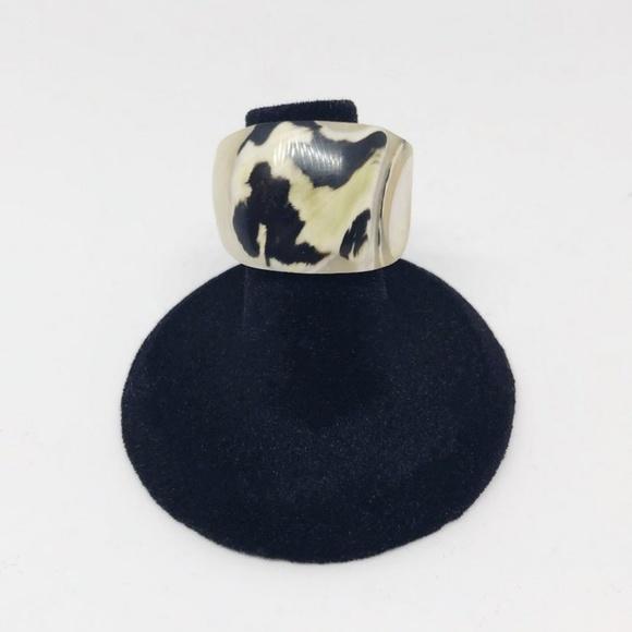 Black & White Handmade Shell Cocktail Ring